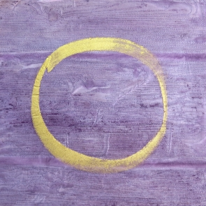 circle 4 gold paint